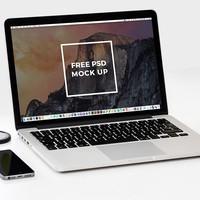 2 Free Laptop Mockup PSD